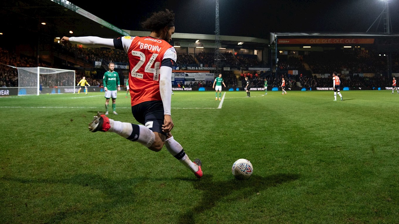 Izzy Brown Luton.jpg